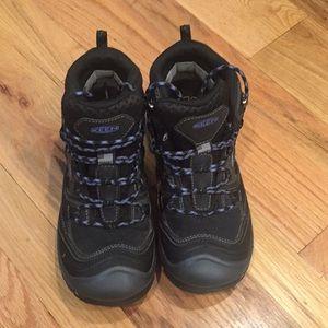 Keen hiking boots, 8.5, waterproof, like new